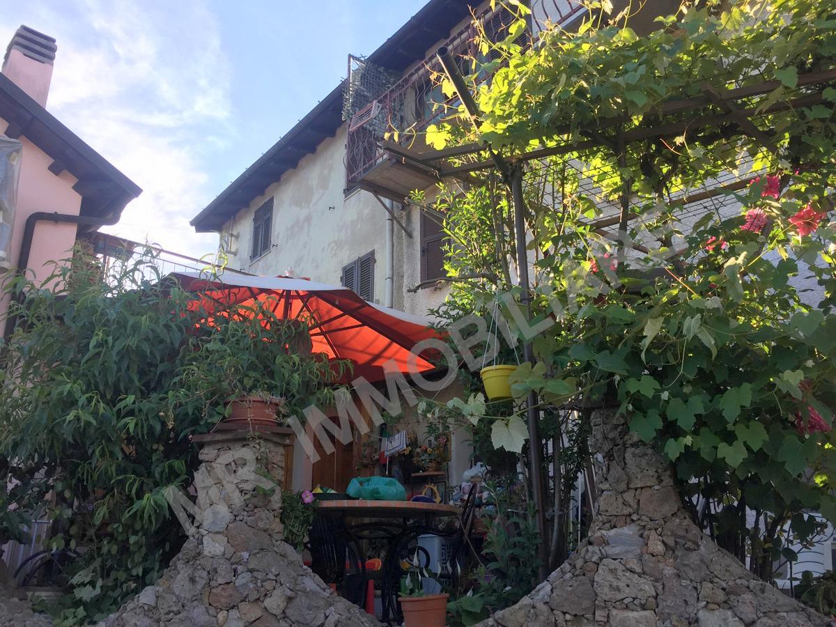 Mallare (SV): Vendesi Loc. Montefreddo Casa Semindipendente