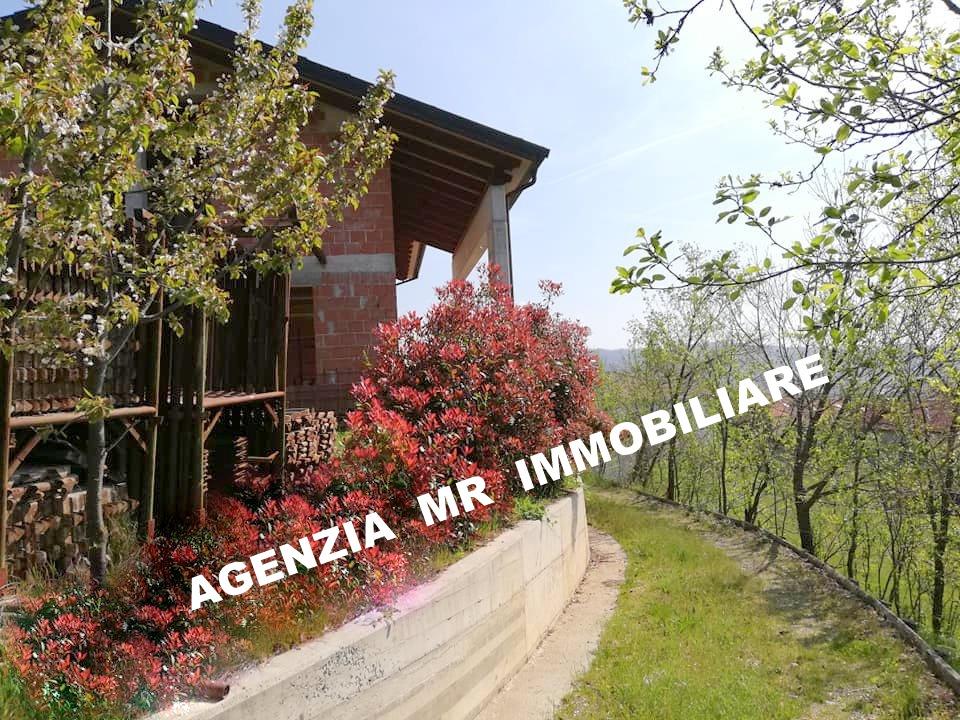 Carcare (SV): Vendesi Villa in zona residenziale
