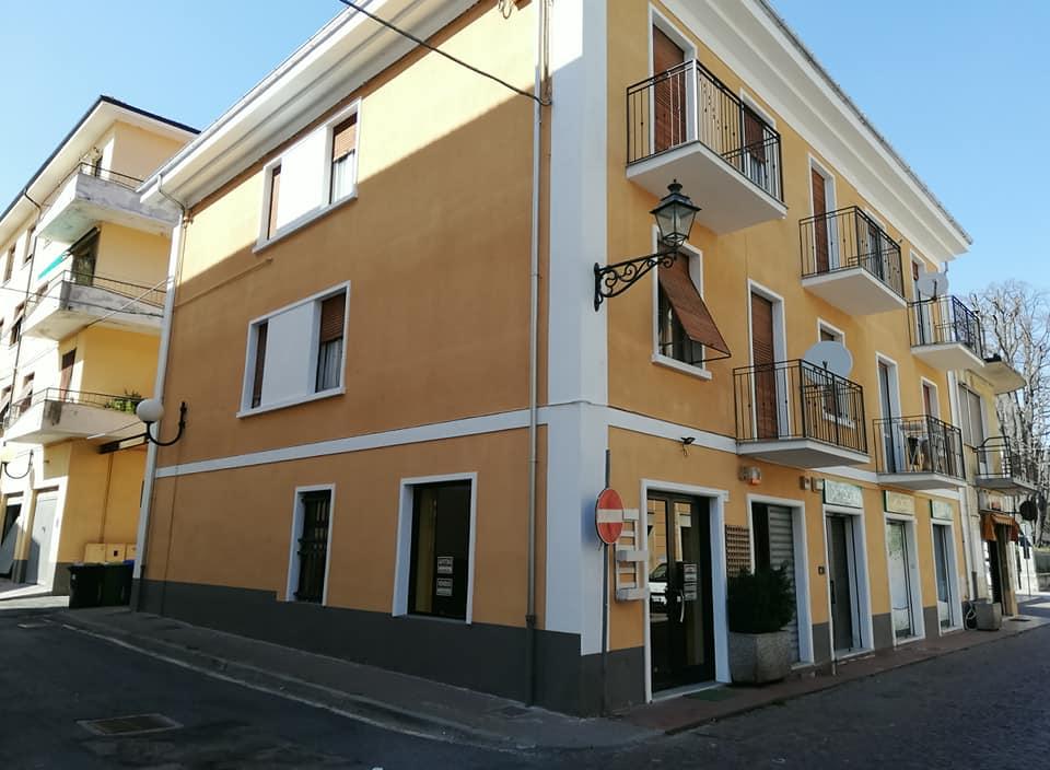 Carcare (SV): Affittasi/Vendesi Locale Commerciale Via Garibaldi