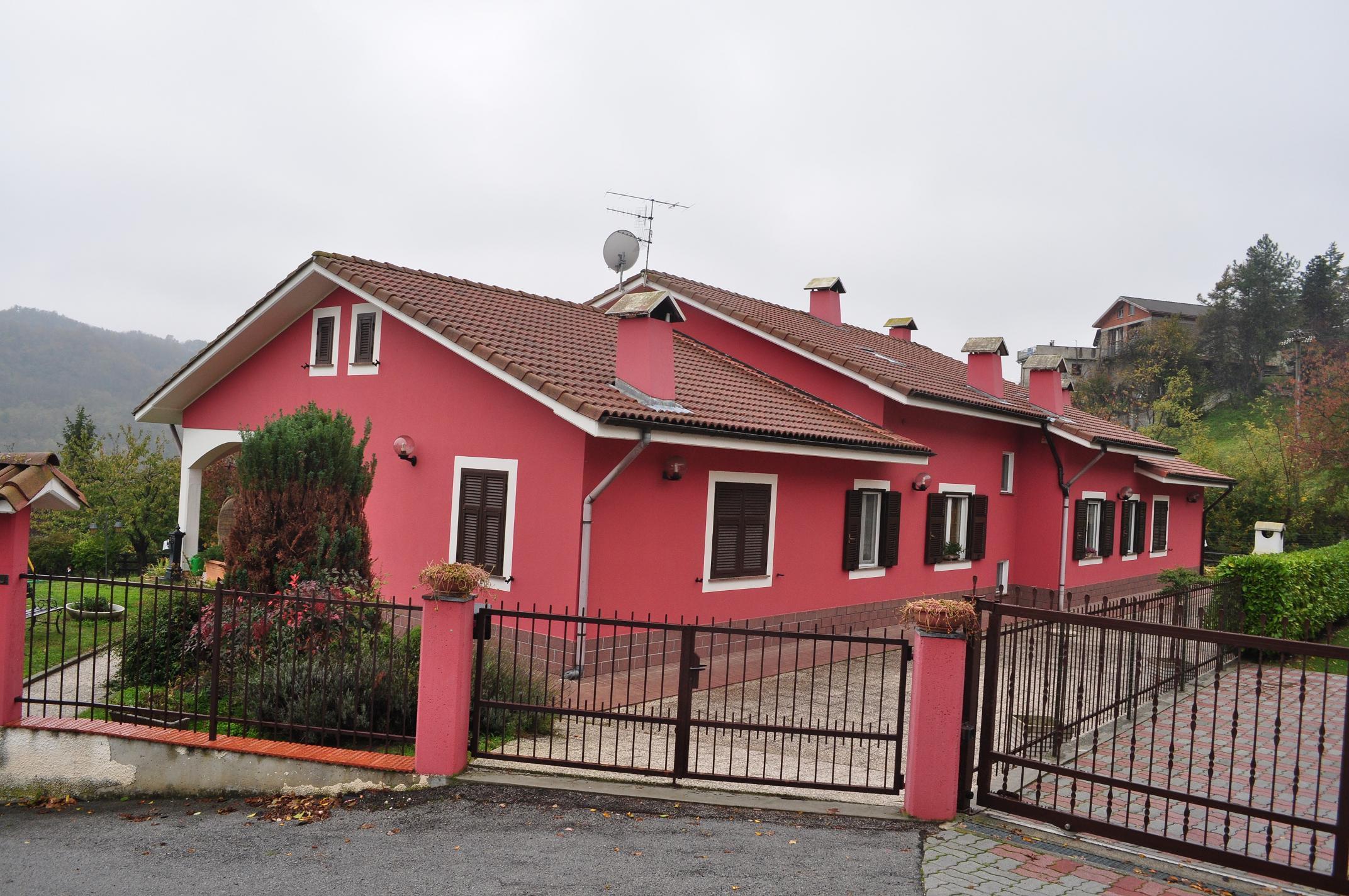 Cosseria (SV): Vendesi Villa Frazione  Lidora
