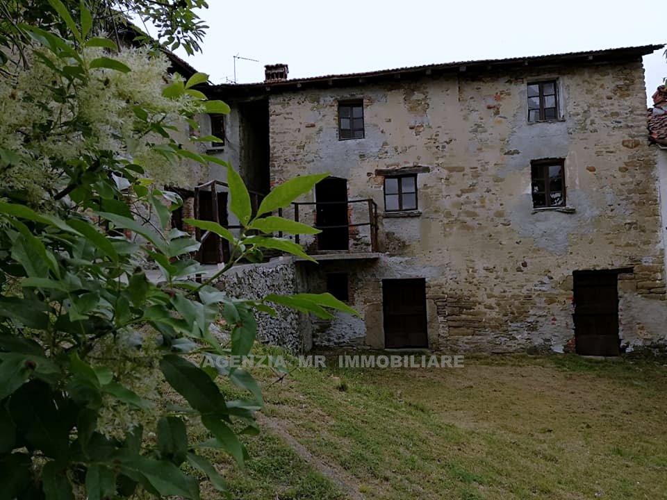 Spigno Monferrato (AL): Vendesi Caratteristico Compendio Immobiliare